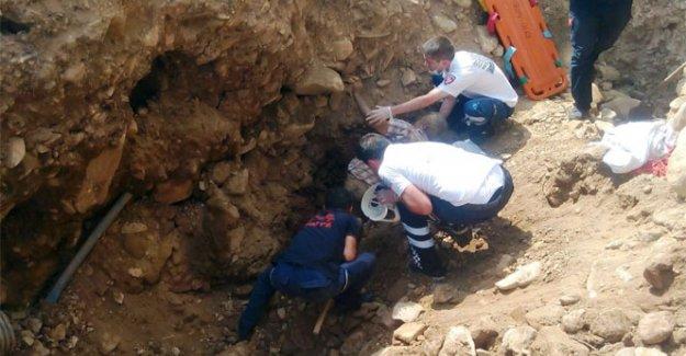 Su kuyusu açarken toprak kaydı: 1 ölü