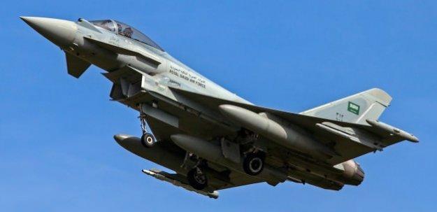 Suudi savaş uçakları Yemen'i bombaladı! 20 ölü