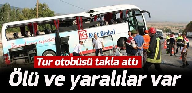Tur otobüsü takla attı: 4 ölü!