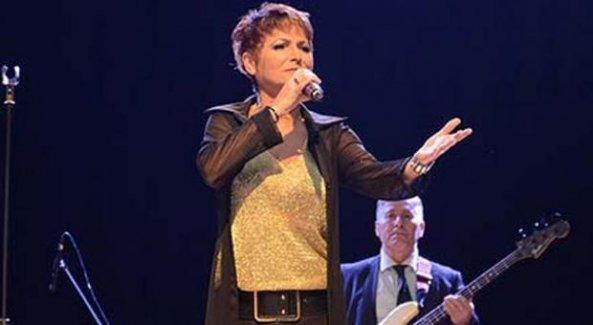 Ünlü şarkıcıya kanser teşhisi