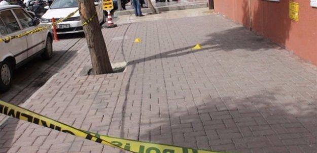 Zeytinburnu'nda silahlı kavga: 2 ölü