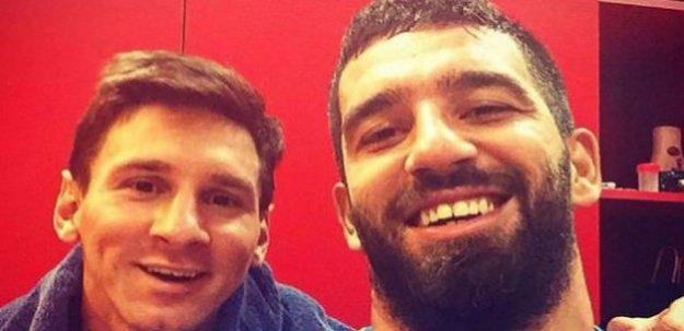 Arda'dan Messi'li selfie! 'En iyisiyle birlikte…'