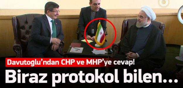 Davutoğlu'ndan CHP'ye bayrak cevabı