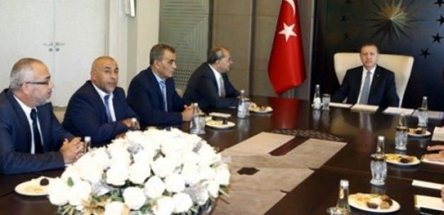 Erdoğan Arap vekillerle görüştü