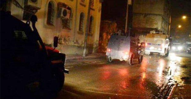 Hükümet konağına bombalı saldırı: 1 polis yaralı