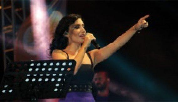 İrem Derici'den pop dünyasına bomba gönderme!