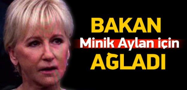İsveçli bakan minik Aylan için gözyaşı döktü