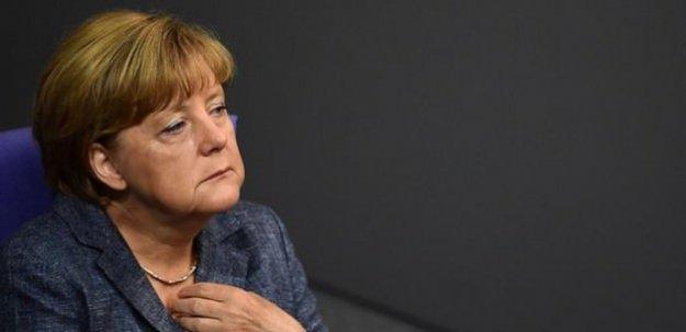Merkel çabuk pes etti! Kapıları kapattı