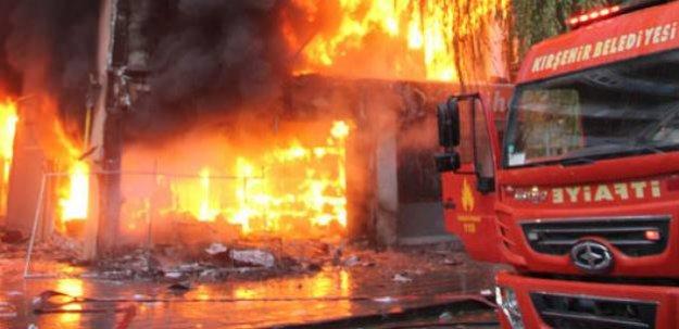 Şehit yakınının dükkanını da yaktılar