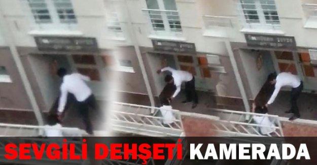 Sevgilisine sokak ortasında şiddet uyguladı
