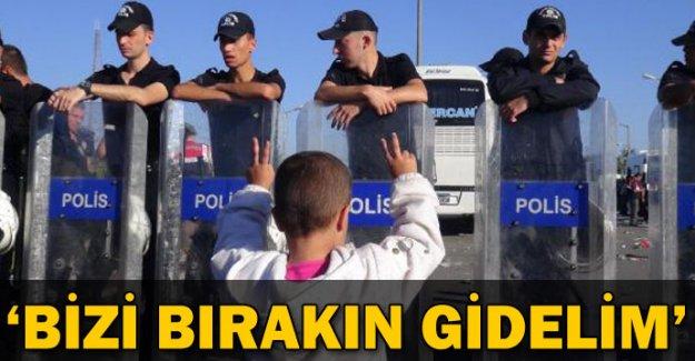 Suriyeliler İstanbul'a götürülme korkusuyla TEM'de yattı
