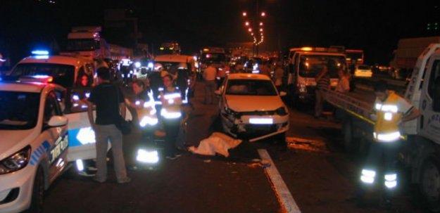 TEM'de feci kaza: 1 ölü, 5yaralı