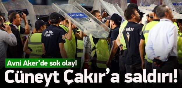 Trabzon'da Cüneyt Çakır'a saldırı