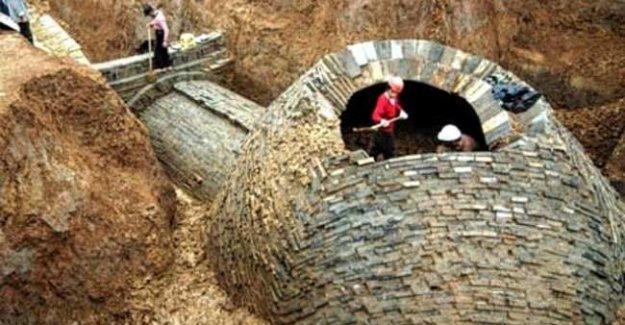 800 yıllık kaplumbağa biçimli mezar bulundu