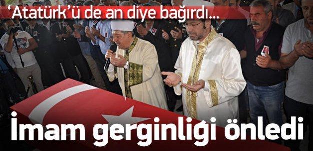 """Şehit cenazesinde """"dua"""" gerginliği"""