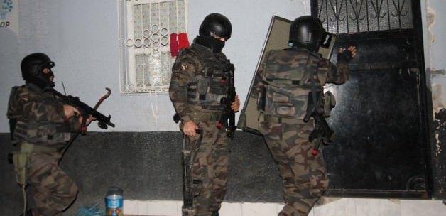 450 polisle şafak operasyonu!