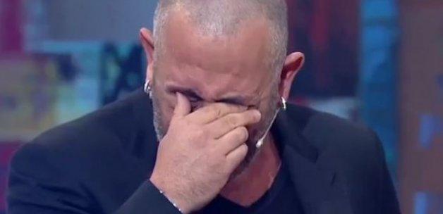 Cem Yılmaz canlı yayında gözyaşlarına boğuldu!