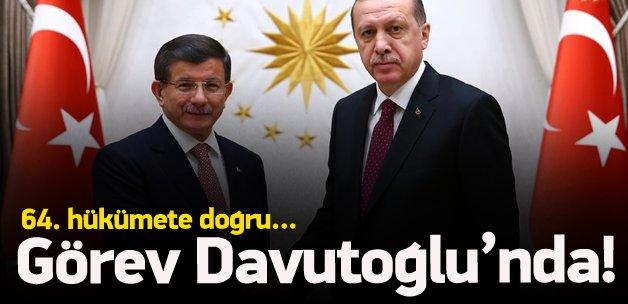 Hükümet kurma görevi Davutoğlu'nda!