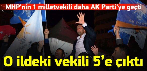Manisa'da MHP'nin 1 milletvekili AK Parti'ye geçti