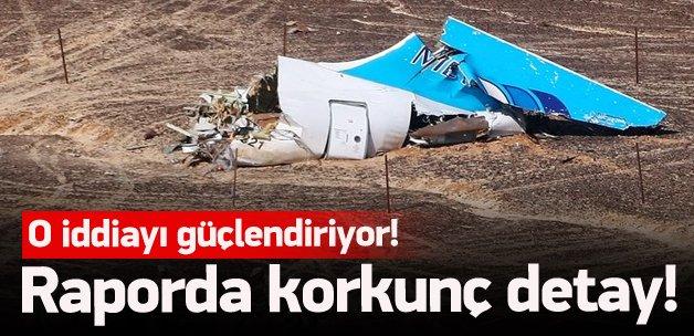 Rus yolcu uçağı gökyüzünde parçalanmış