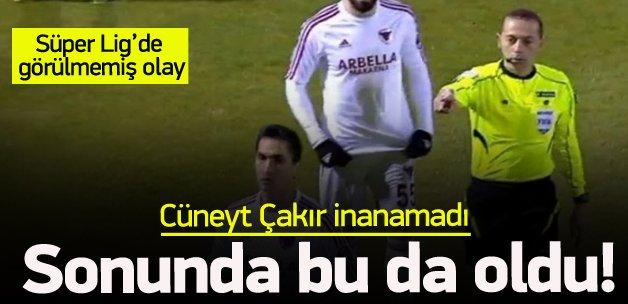 Süper Lig maçında görülmemiş olay!