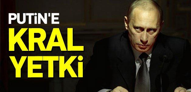 Vladimir Putin'e kral yetki!