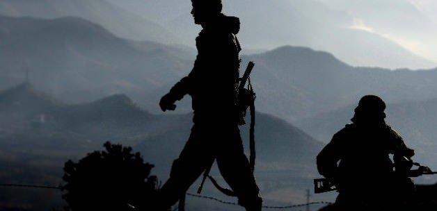 Yüksekova'da 2 asker şehit oldu
