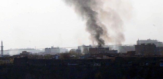 Çatışmaların sürdüğü ilçeden dumanlar yükseliyor!