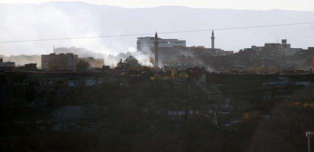 Dağdaki 100 PKK'lı ilçeye indi