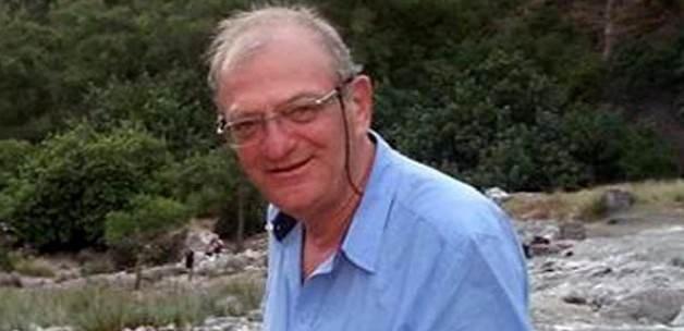 Duayen gazeteci evinde yanarak öldü