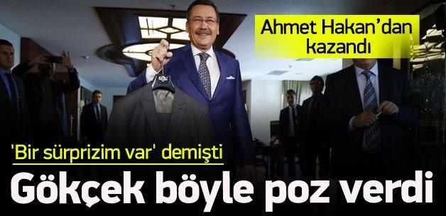 Gökçek Ahmet Hakan'dan takım elbise kazandı