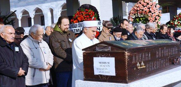 Hüseyin Başaran'ın cenazesinde ilginç görüntü!