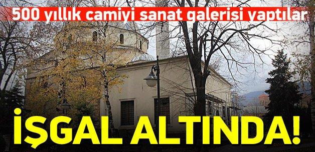 Makedonya'daki camiyi sanat galerisi yaptılar!