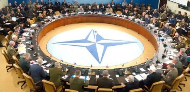 NATO'ya üst düzey iki Türk