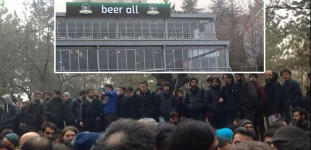 ODTÜ'de içki serbest namaz kılmak yasak