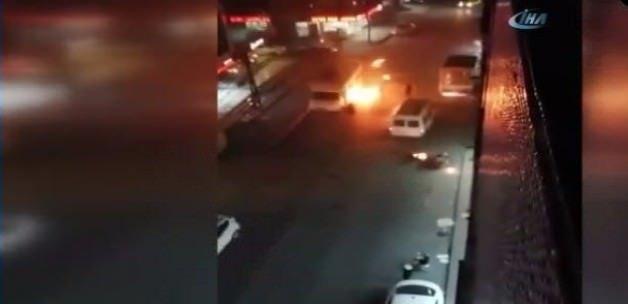 PKK yandaşları Esenler'de araçları ateşe verdi