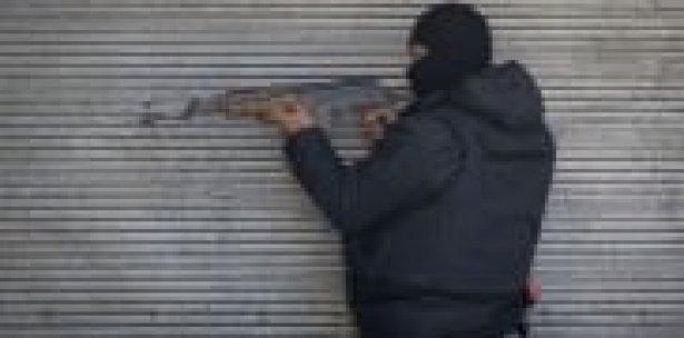 Polise ateş açan terör yandaşı vuruldu