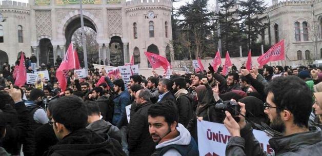 Solcu öğrenciler Müslüman öğrencilere saldırdı