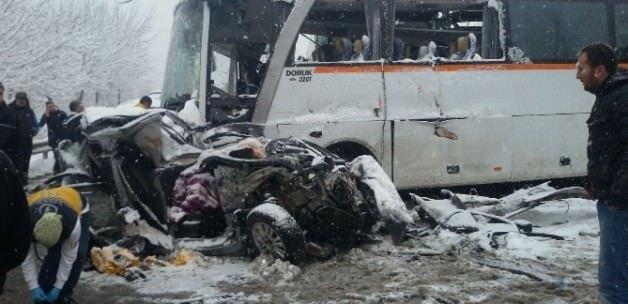 TEM'de kar kazası! 11 araç birbirine girdi