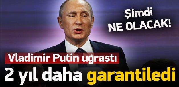 Vladimir Putin 2 yıl daha garantiye aldı