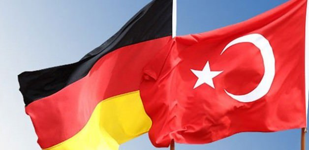 Almanlara 'İstanbul tatillerini iptal hakkı'