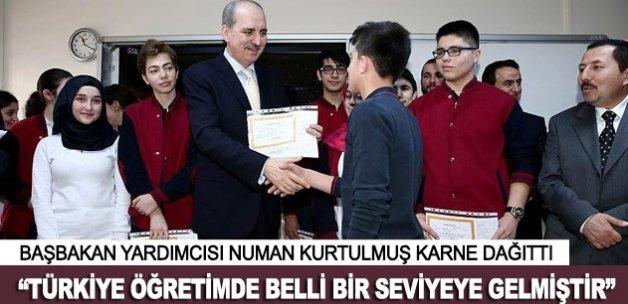 Başbakan Yardımcısı Kurtulmuş karne dağıttı