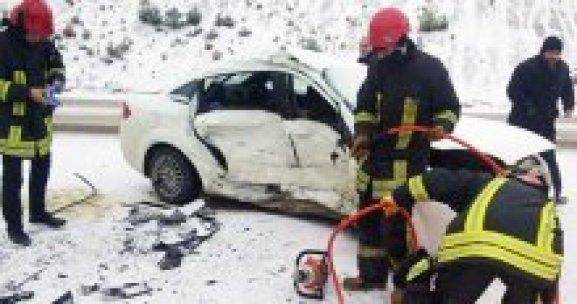 Denizli'de feci kaza, 1 ölü, 3 yaralı