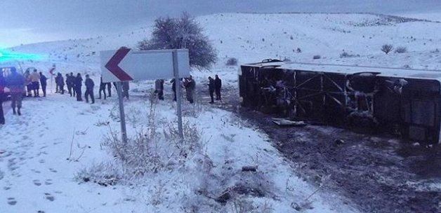 Elazığ'da otobüs devrildi, 26 yaralı