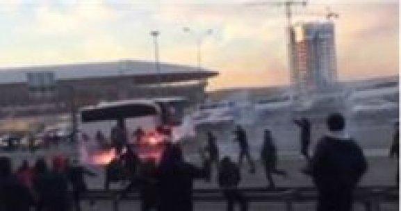 Galatasaray Karşıyaka maçı öncesi olaylar çıktı
