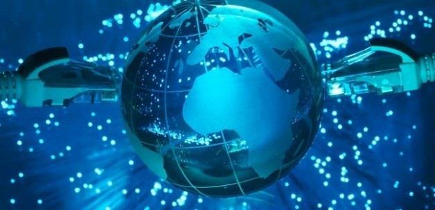 İnterneti ucuzlatacak uydu devreye giriyor