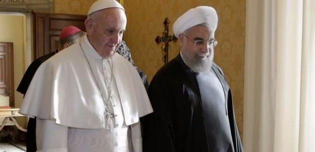 İran'da Ruhani'ye tepkiler çığ gibi