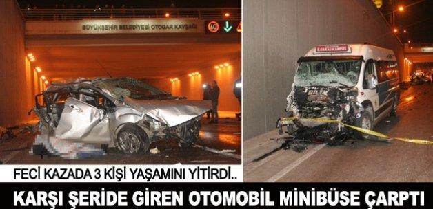 Konya'da minibüs ile otomobil çarpıştı: 3 ölü