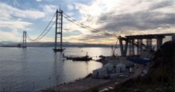 Körfez Geçiş Köprüsü'nde 55 tonluk ilk tabiye yerleştirildi