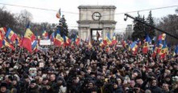 'Muhaliflere eylem talimatını Putin veriyor'